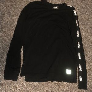 Used T-shirt by American Eagle size M